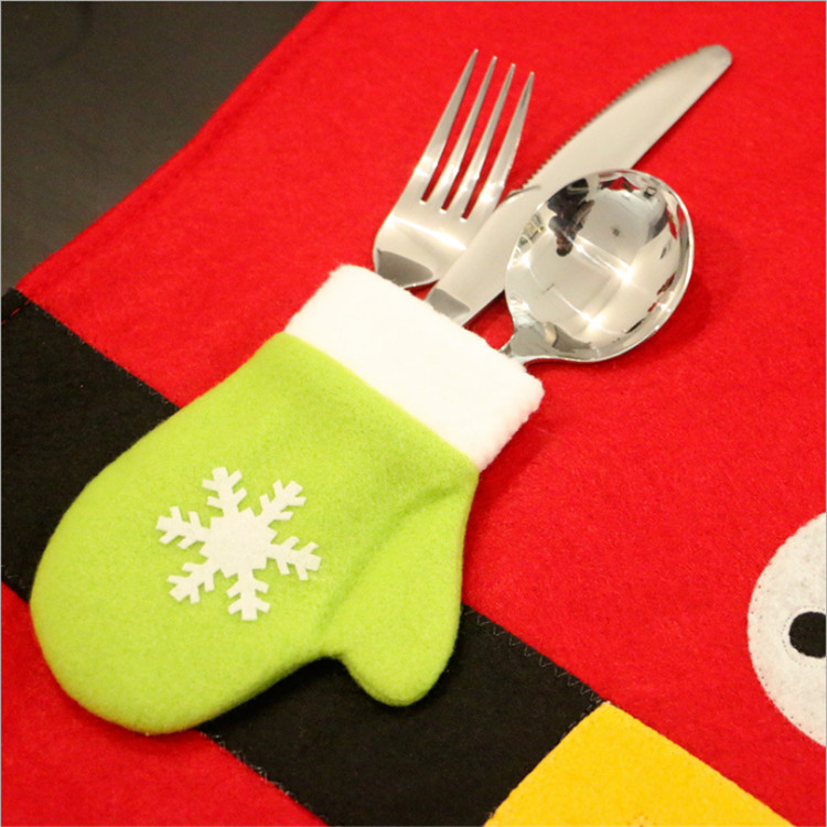 2018New design Christmas decoration table cloth with knife and fork set