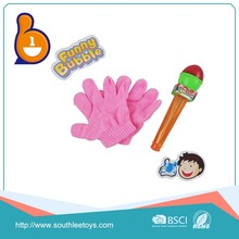 Shantou chenghai china price children gloves water gun toys bubble for sale