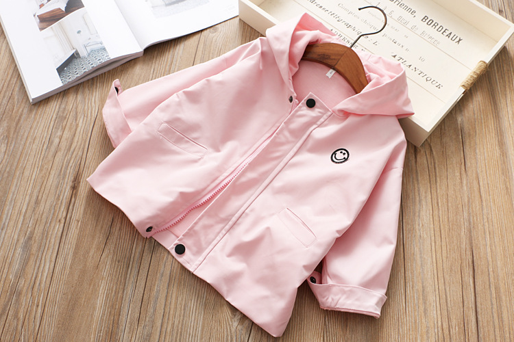 Children's wear 2019 spring and autumn new girls smiley pattern hooded jacket
