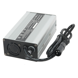 hot sale full automatic switch 12v universal automatic battery charger for car