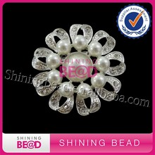 Fashion new design flower rhinestone crystal pearl brooches for women ladies accessories