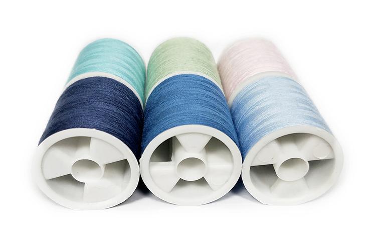 China groothandel supply gesponnen polyester naaigaren 150 meter 3 stuks per doos