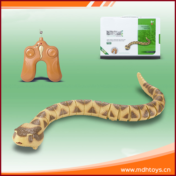 Simulation plastic R/C rattle electronic snakes toy with 9V battery