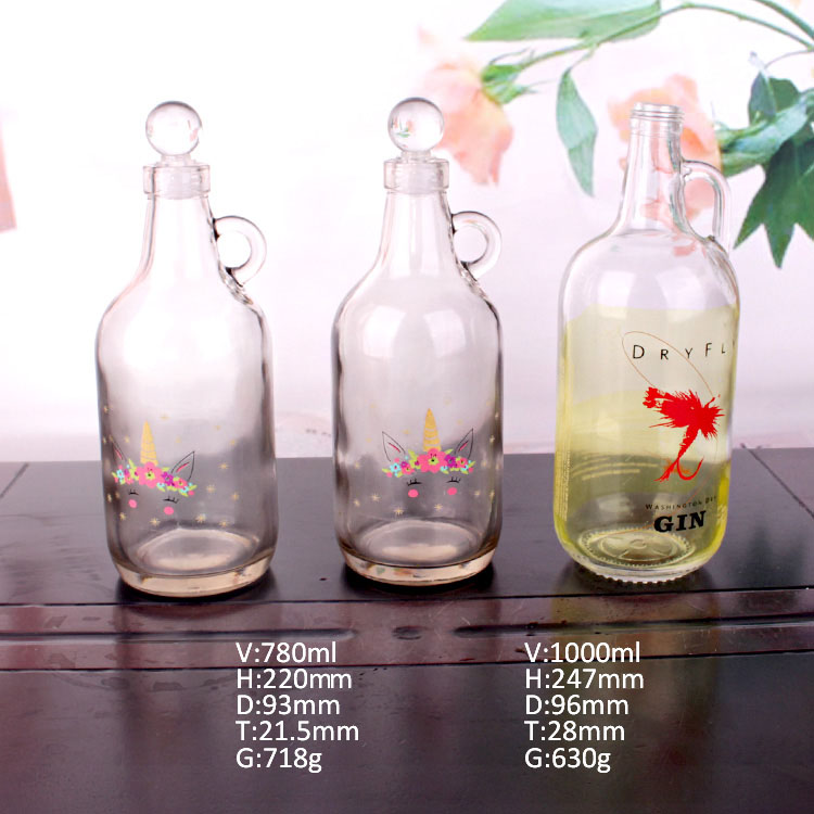 Wholesale 780ml ,1000ml Glass Bottle with handle  for Whisky/Milk/Juice and Wine