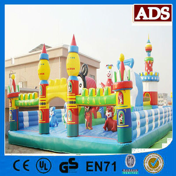 2014 New Design Giant Inflatable Playground,Inflatable Bouncer Castle
