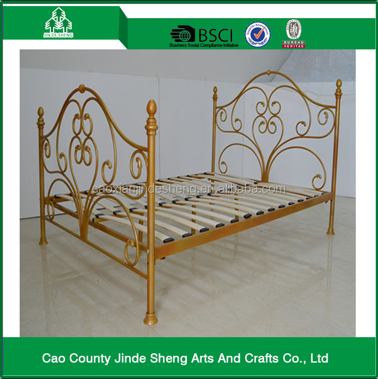 Europe Style Golden Metal Bed With Wood Slats
