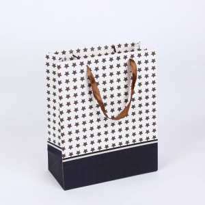 Custom personality lattice shoe paper shopping bag with ribbon
