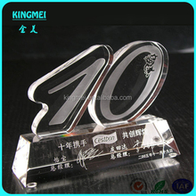 Hot sale trophy figures plastic,figure shape acrylic trophy and awards manufacturer