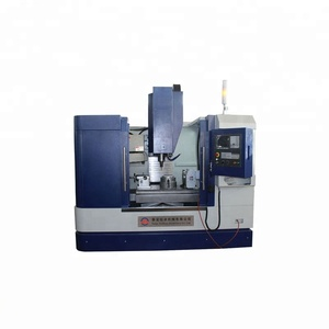 CNC Machining Center VMC850 CNC Milling Machine With Full Enclose