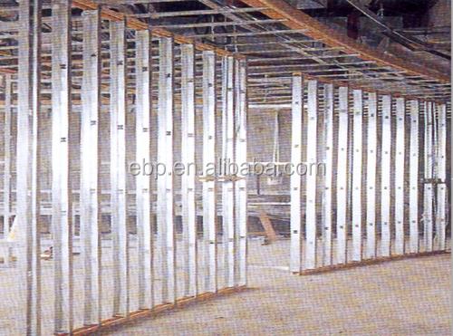Estructura de postes de metal galvanizado de pared de zinc - Estructura de metal ...
