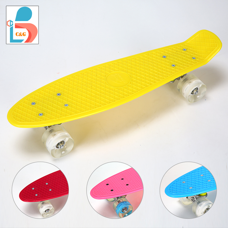 22 inch plastic fish skateboard with LED light wheel fishboard