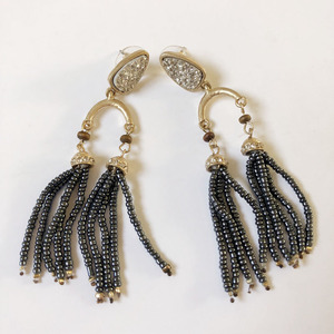 Xus Er12573 wholesale fashion latest design long free seed hand beads tassel earrings