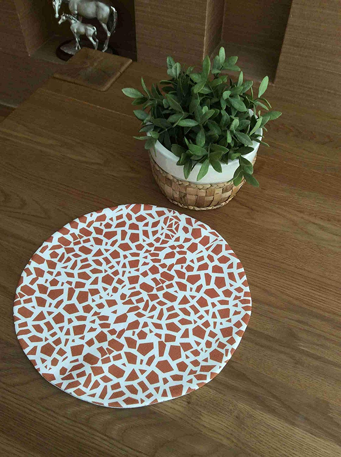 "TekgulDesign Giraffe Placemats,%100 Polyester, Handmade, Diameter: 35cm (14""), Crease Resistant and Stain-Proof Fabric, Modern and Colorful Ultra HD Graphics."