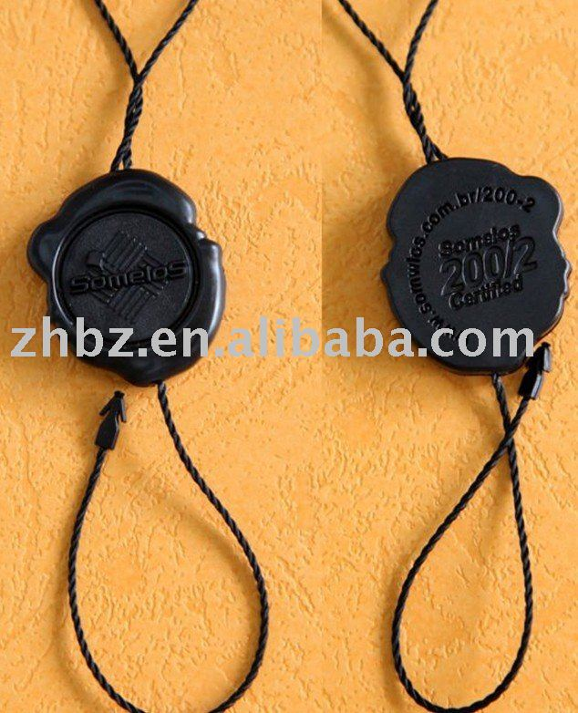 2012 new plastic garment hang tags with cotton string