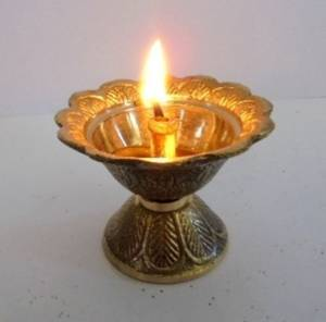 Artcollectibles India Set Of 2 Brass Diya Diyas Oil Lamps Chirag For Aarti Diwali Navratras Lighting