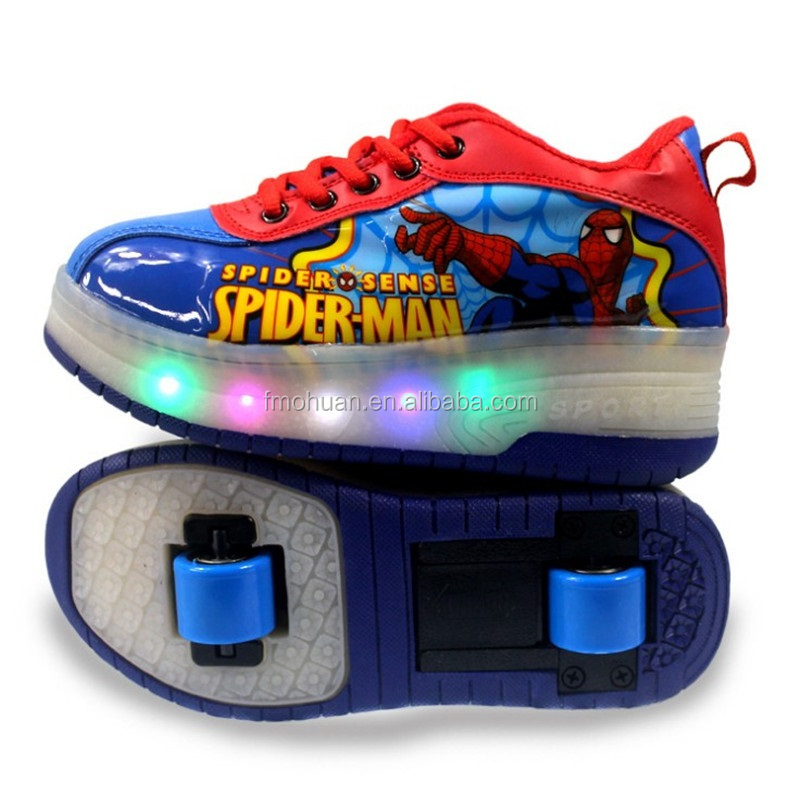 2017 New Child Girls Boys LED Light up running roller skate shoes fashion roller shoes slip on Sneakers With Wheels