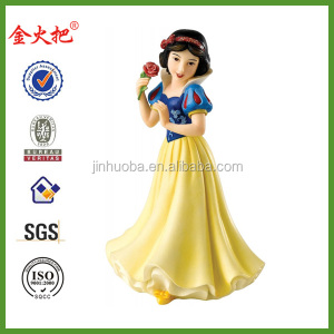 Kids favorite classic snow white statue