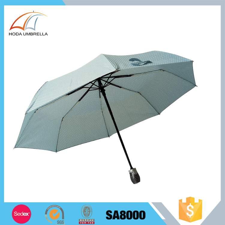 Hot sale polk dot auto open and close wind resistant 3 fold ladies umbrella
