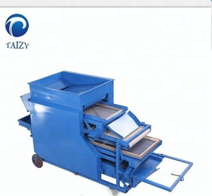 Mealworm selecting screening machine to separate big and small worm