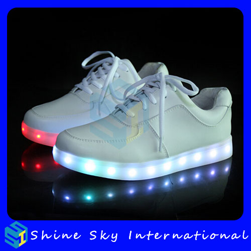 Latest model new designled shoes with 7 led color, american style star shoes, shoes light new fashion mens light up shoes