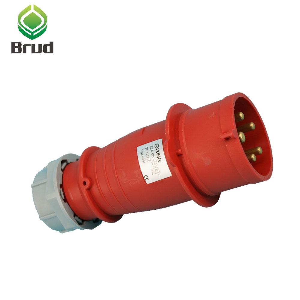 32 A 3 Broches enclenché Socket Switch 220-250 V 32 Amp résistant aux intempéries IP44 2P+E 240 V