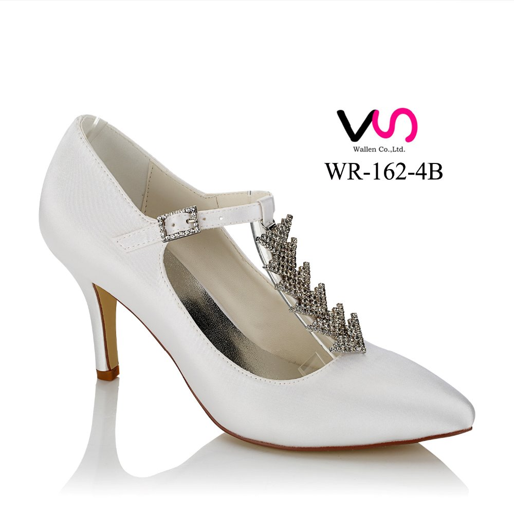 2017 New middle high heel pointy toe handmade women bridal shoes for wedding white color with diamond chain