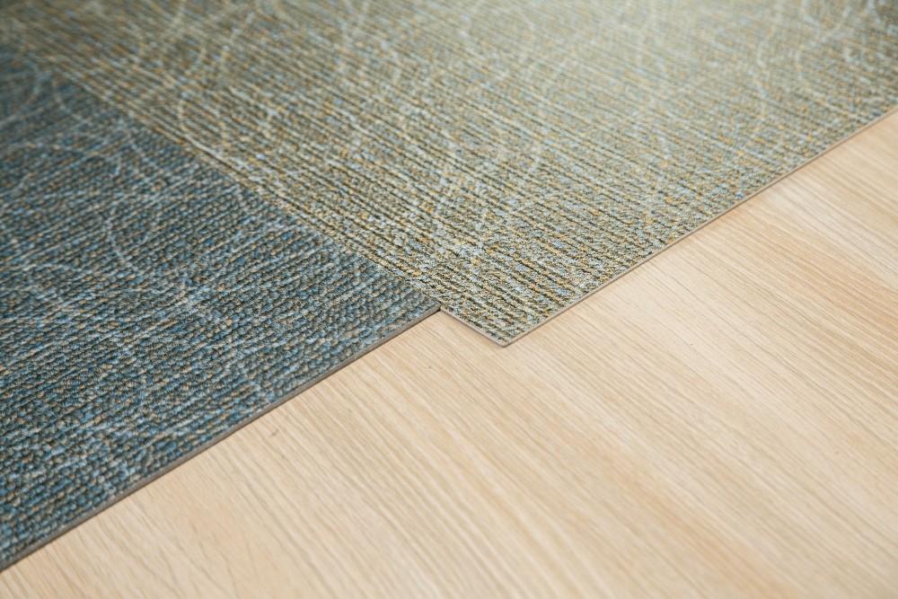 Hervorragend Finden Sie Hohe Qualität Holzoptik Teppichfliesen Hersteller Und Holzoptik  Teppichfliesen Auf Alibaba.com