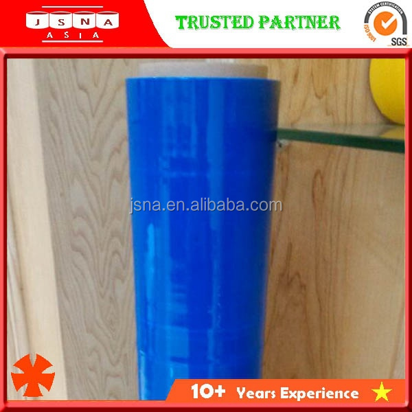 World class LLDPE Material and Moisture Proof Feature Blue bundling stretch film
