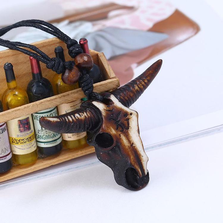 Estilo nacional da cabeça do touro pingente de resina colar de corda preta