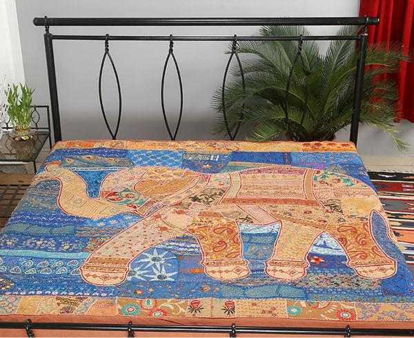 bon dessus de lit traditionnel look ethnique couvre lit patchwork drap de lit couvre lit id du. Black Bedroom Furniture Sets. Home Design Ideas