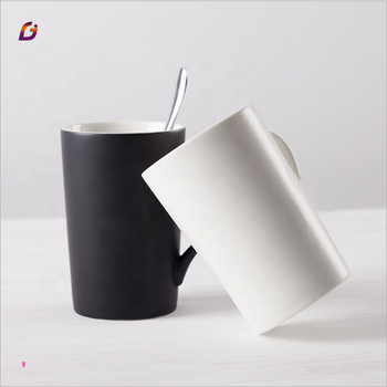 Ceramic mug with spoon handle