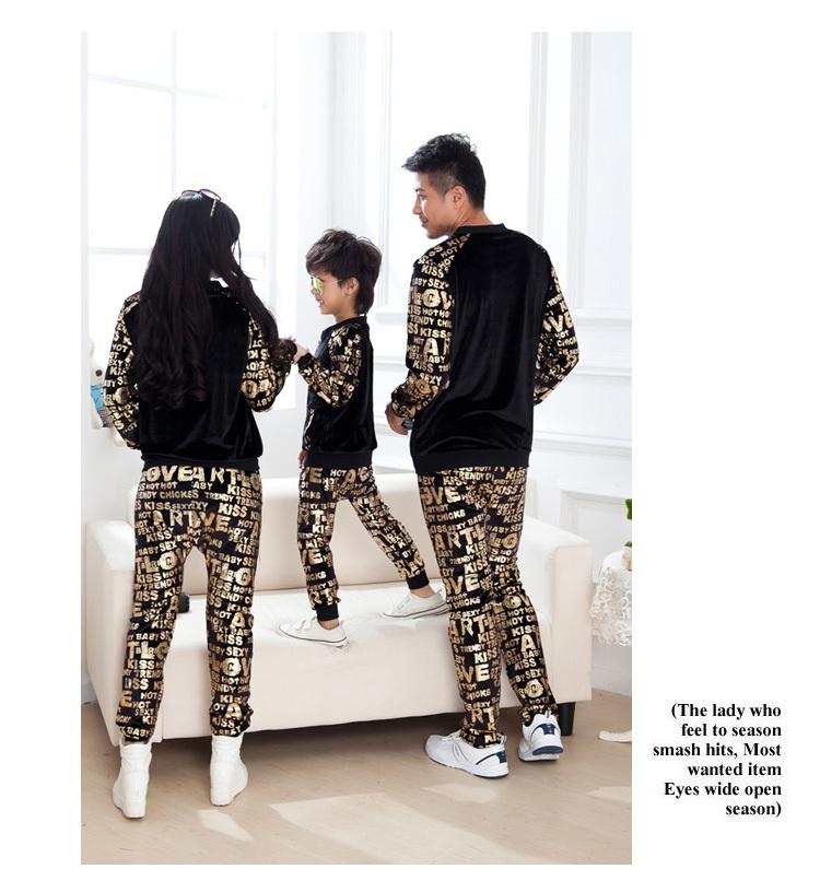 Семья одежда свитер установить мать дочь одежда семья взгляд девушка и мама отец ребенка спорт установить костюмы родитель-ребенок снаряжение