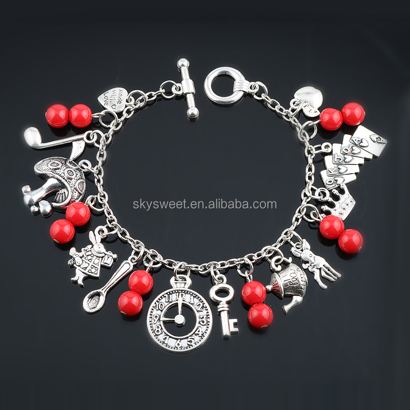 Yiwu Wholesale Agent Fashionable Women Charm Bracelet with Red Bead