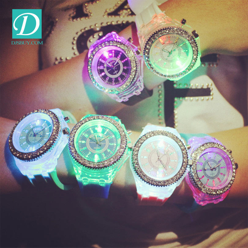 Fashion <strong>Men</strong>&Women Watch Led Light Silicone Strap Round Dial Lover Quartz Watch