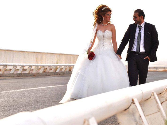 Simple Arabic Off The Shoulder Ball Gown Wedding Dress