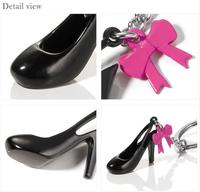 custom plastic 3D high heel shoe keychain/custom mini high heel shoe plastic keychain/oem personalized shoe keychain maker
