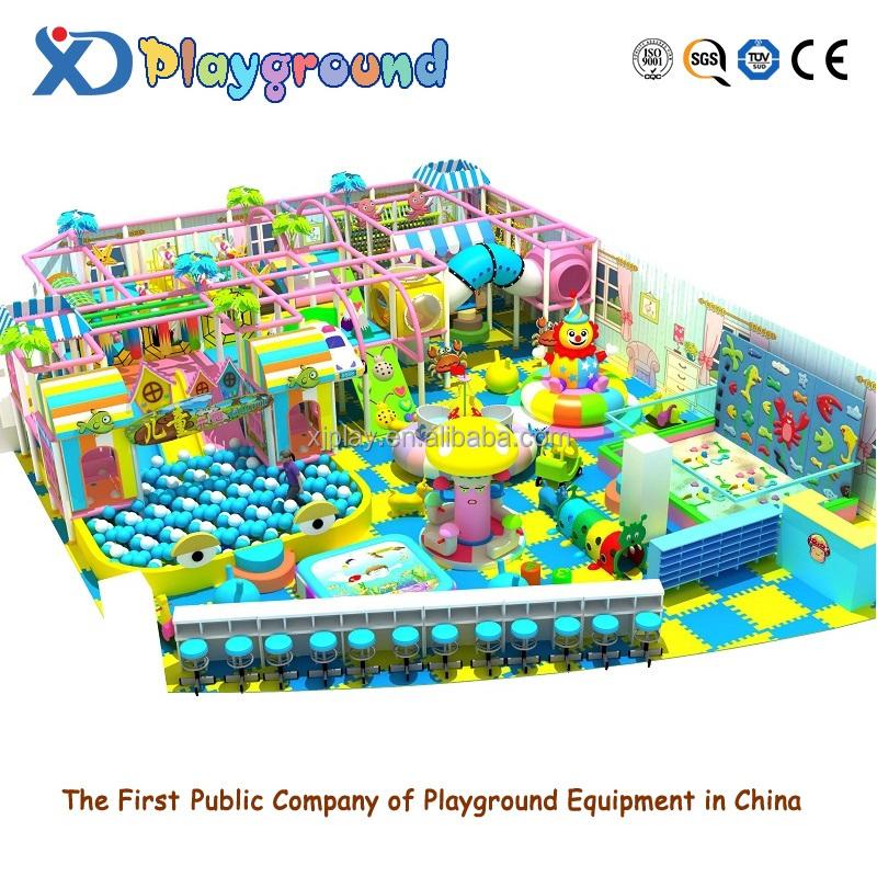 parque infantil con arena muro de escalada parque infantil interior paraso nios carrusel de caballos juego