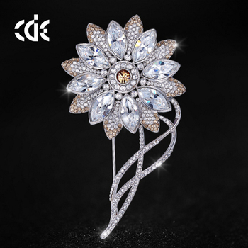 49a8d56bdc74 crystals from Swarovski jewelry fashion 2018 latest design flower brooch