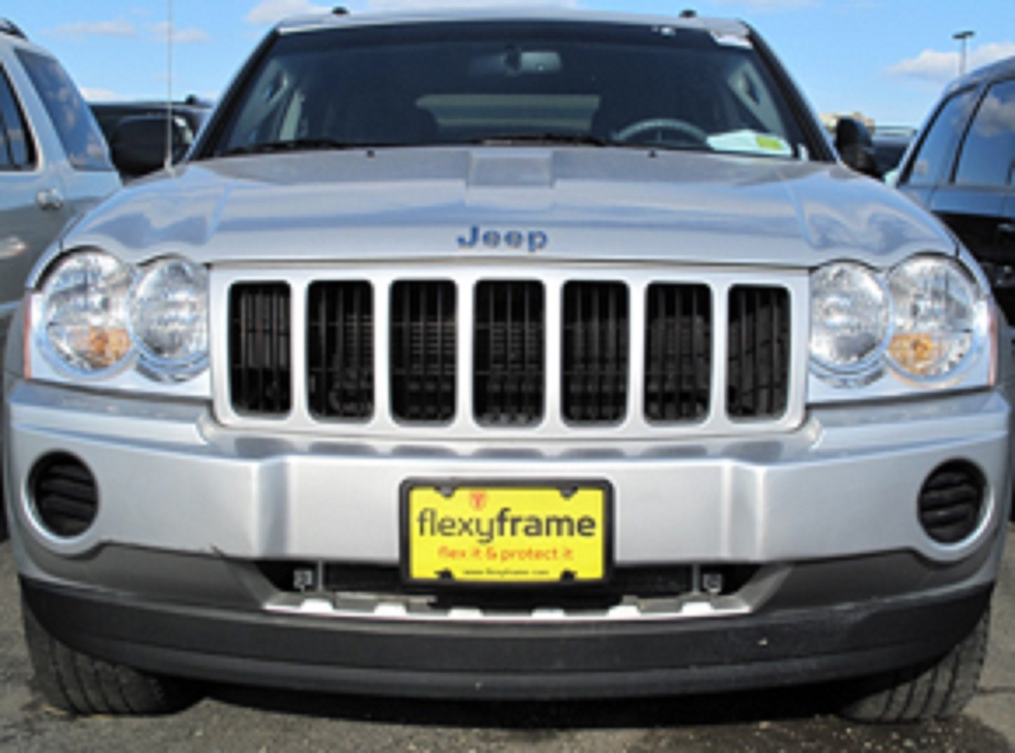 A NASA-like Rubber Front License Plate Bracket Frame Tag Holder Guard Bumper for JEEP