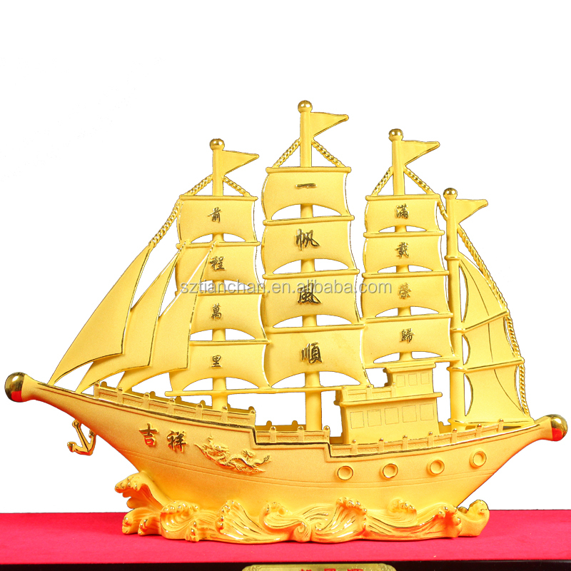 Jewelry store sailboat metal ornaments jewellery fortune 24K gold sailing boat model China custom sailboat statue