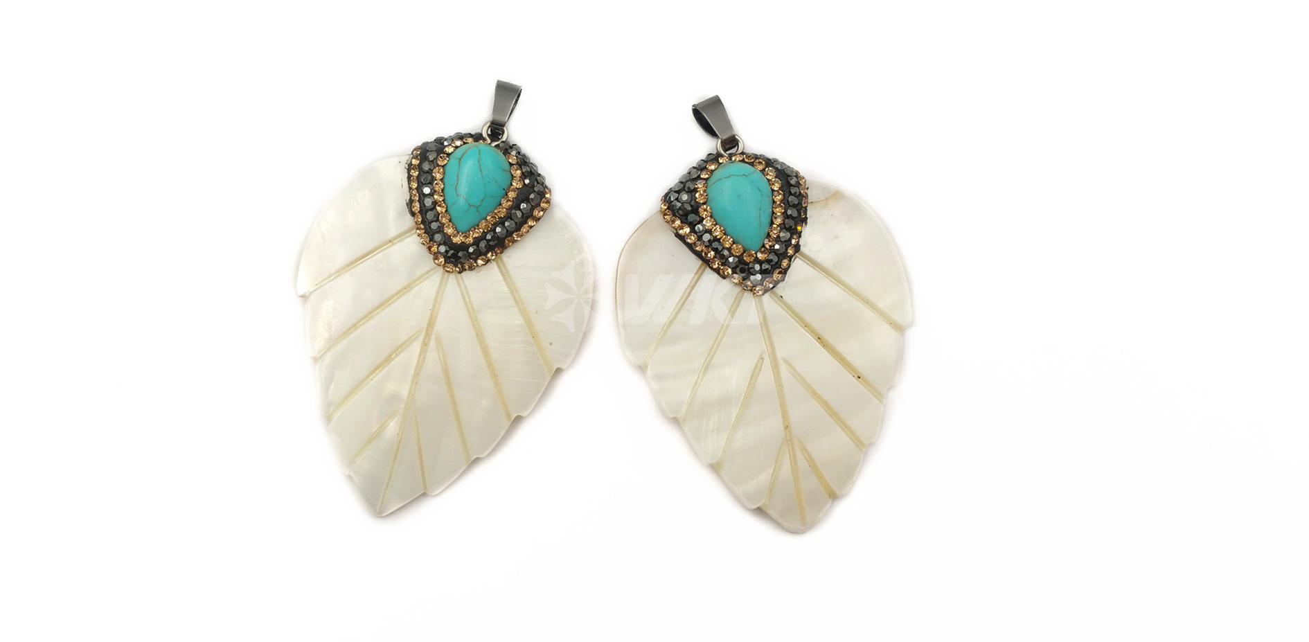 WT-NP381 Wholesale New design Rhinestone Crystal Pave around turquoise jewelry Leaf shape pendant natural white shell Pendant