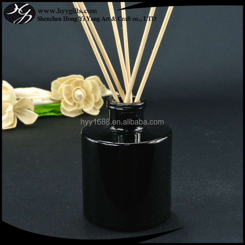 100ml black round glass aroma diffuser bottle with rattans