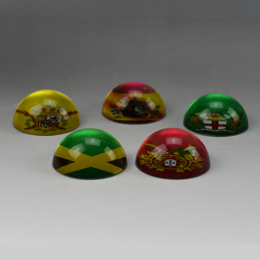 Wholesale decorative round cheap glass dome paperweight