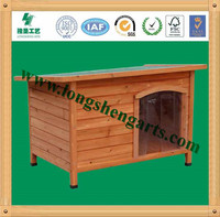 Classic style wooden dog kennel
