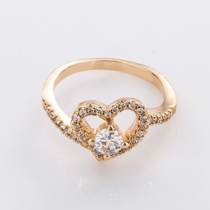 Wholesale fashion gold plated engagement rings with zircon,golden cubic zirconia ring jewelry