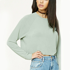 Crew neck women plain pullover windproof sweatshirt with boxy raw-cut