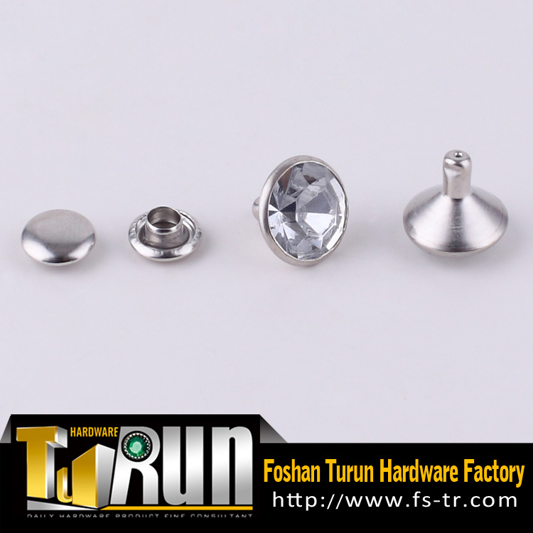 Latest style metal brass clear stone rivet crystal rivets for leather