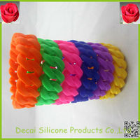 Twisting colorful cool jewelry ring silicone bracelets wrist bands with button