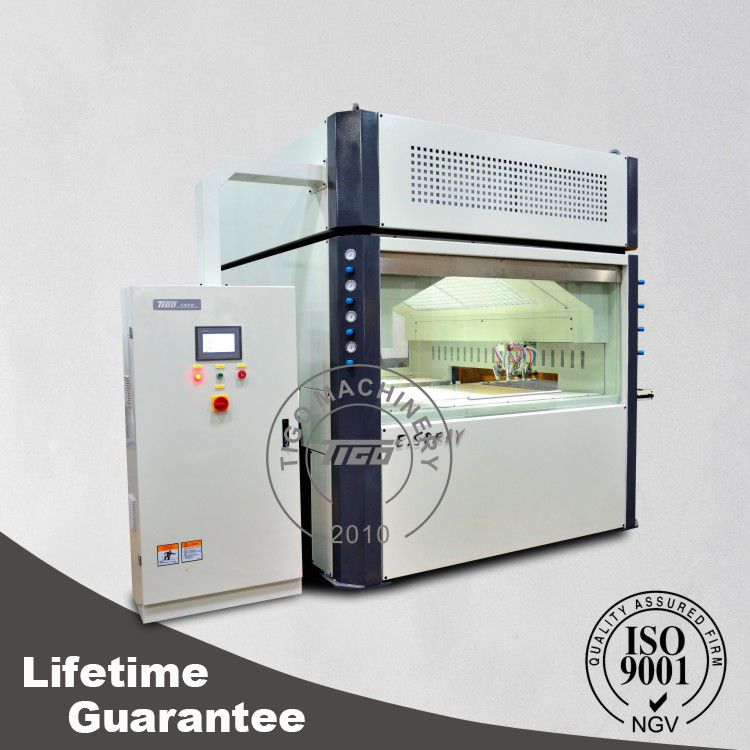 Automatic cabinet door opener seeshiningstars for Automatic kitchen cabinets