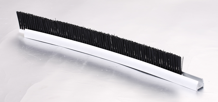 CNSB-006A.2 SJEC Escalator 20 mm Aluminum base skirt panel brush with safe up circular arc single Nylon brush